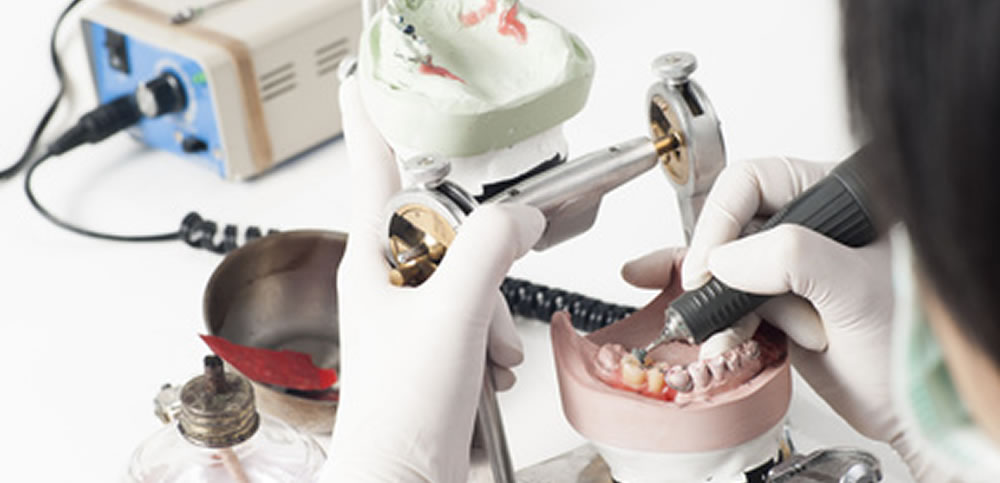 熟練歯科技工